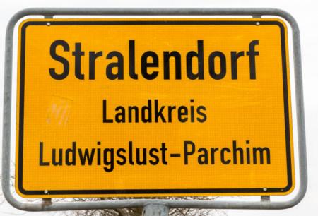 Ortsschild Stralendorf